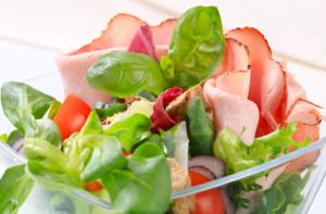 17 Recetas De Ensaladas Saludables Diciembre Guia 2020 Si estás a dieta y necesitas una receta fácil y rápida que te quite el apetito, agenda esta ensalada light. 17 recetas de ensaladas saludables
